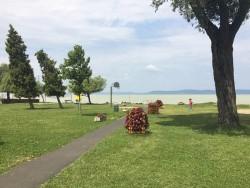Balatonszemes u. Berzsenyi voľná pláž Balatonszemes